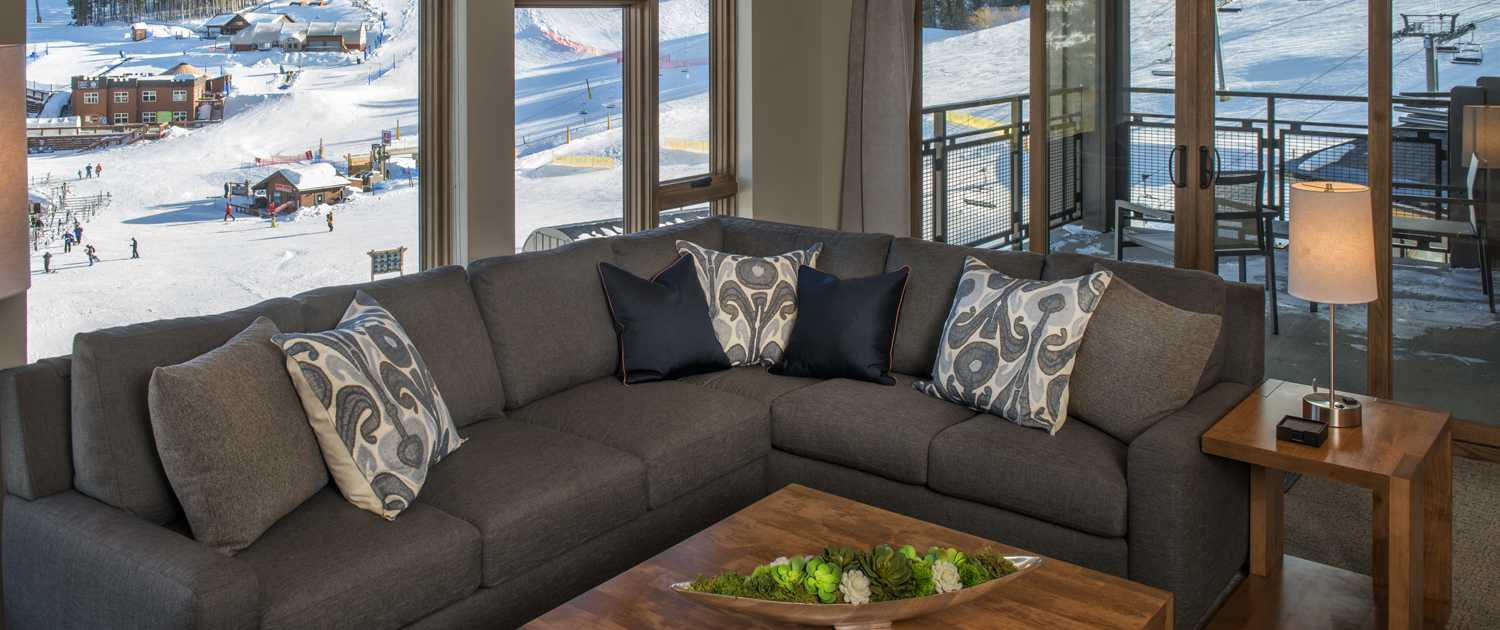 Grand Colorado on Peak 8 living space